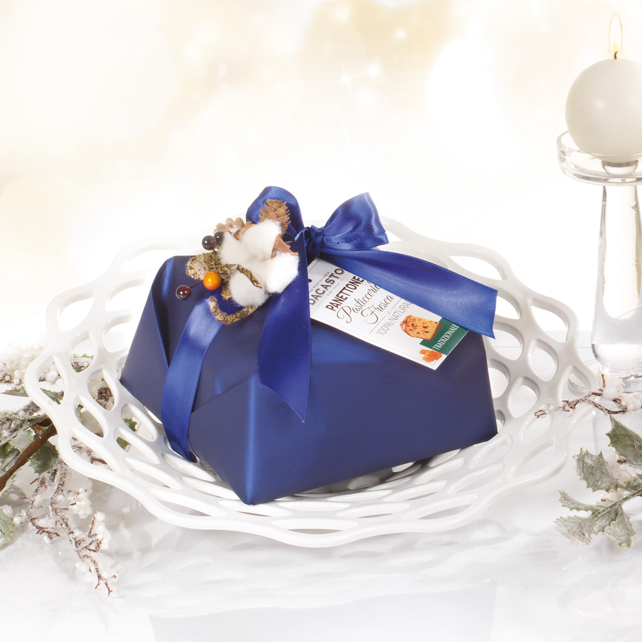 Traditional Panettone (blue Or Red Wrapping Paper)